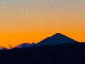 New moon over Adamsons Peak, Tasmania